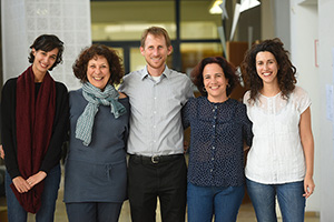 Marc Schlossberg and colleagues