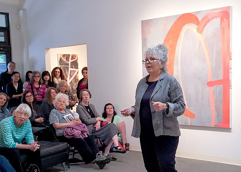 Jan Reaves gives a talk at the Russo Lee Gallery in 2016.