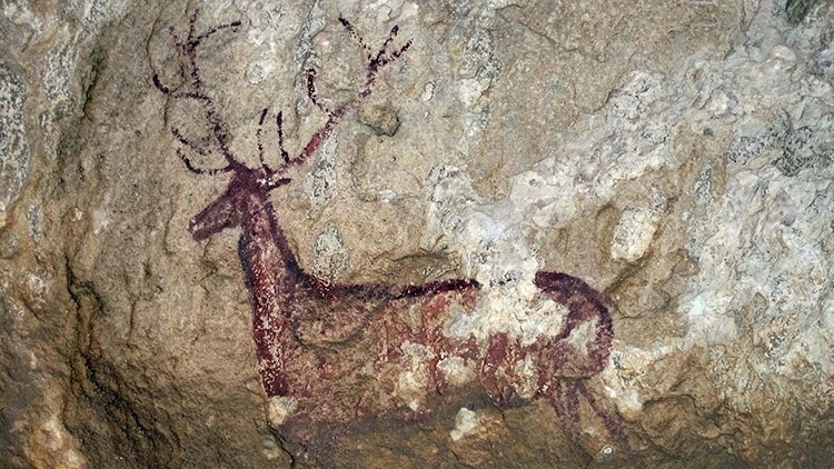 Rock Deer, Spanish Levantine Art, cc. 6000 BC. Shelter of Chimiachas, in the Natural Park of the Sierra and the Canyons of Guara (Huesca, Spain). Wikimedia Commons.