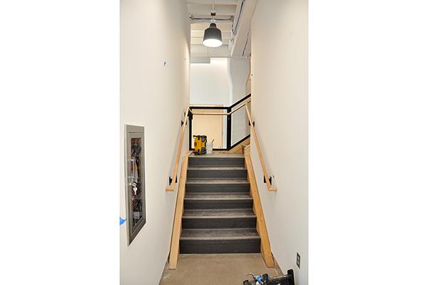 510 Oak stairway