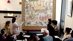 class discusses artwork