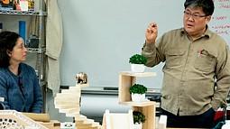 Associate Professor Kyuho Ahn teaching a class