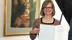 Associate Professor Nina Amstutz